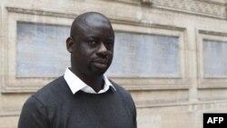 """Felwine Sarr : """"retrouver la mémoire longue"""" à travers la restitution de l'art africain"""