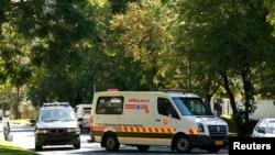 前南非总统曼德拉被认为是乘坐这辆救护车回家的