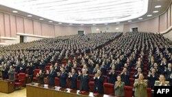 Представители Рабочей партии, Пхеньяне, Северная Корея, 28 сентября 2010г.