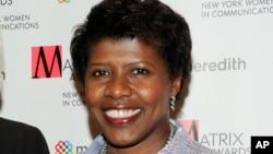 """Gwen Ifill, conductora del noticiero """"Washington Week"""" de PBS y co-conductora de """"PBS NewsHour"""", murió de cáncer a los 61 años."""