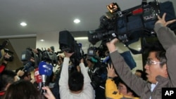 台湾媒体在台北地方法院采访