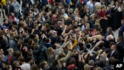 Large crowds have turned out for Democratic presidential candidate Sen. Bernie Sanders campaign rally. Many are unhappy with the economy and the unequal distribution of wealth. (AP File Photo/Jacquelyn Martin)