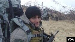 Tentara AL Amerika keturunan Lebanon, Alm. Michael A. Monsoor (foto: dok) yang mendapat Medali Penghargaan Kongres AS secara anumerta karena pengorbanannya. Monsoor akan diabadikan sebagai nama kapal perusak AS, USS Monsoor.