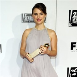 获金球奖最佳女演员奖的娜塔丽.波特曼