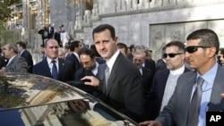 Le dirigeant de la Syrie, Bachar El Assad, en déplacement.