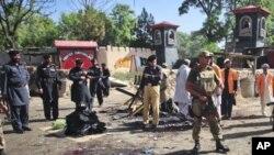 چارسدہ میں ایف سی کی تربیت گاہ پر دو خودکش حملے، 80 ہلاک