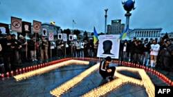 Вшанування пам'яті вбитого журналіста на Майдані Незалежності в Києві