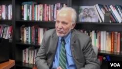 美国前《洛杉矶时报》驻京记者站站长孟捷慕 (James Mann)接受美国之音专访