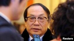 Mantan Menteri Perkeretaapian China, Liu Zhijun didakwa atas kasus suap dan penyalahgunaan wewenang, Rabu (10/4).