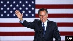 Мітт Ромні проголошує свою перемогу на попередніх виборах у штаті Вісконсін