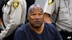 Ngôi sao bóng bầu dục Mỹ nổi tiếng một thời O.J. Simpson trong phiên tòa xét xử tại Las Vegas, Los Angeles, năm 2013.