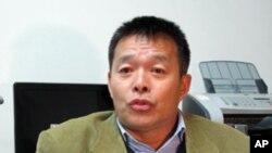 《2020年的中国:一个新型超级大国》的作者胡鞍钢