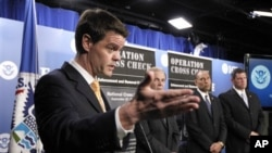 美國聯邦移民官員2011年9月開記者會談大規模遣返