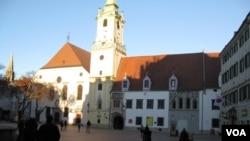 斯洛伐克首都布拉迪斯拉发老城中心。