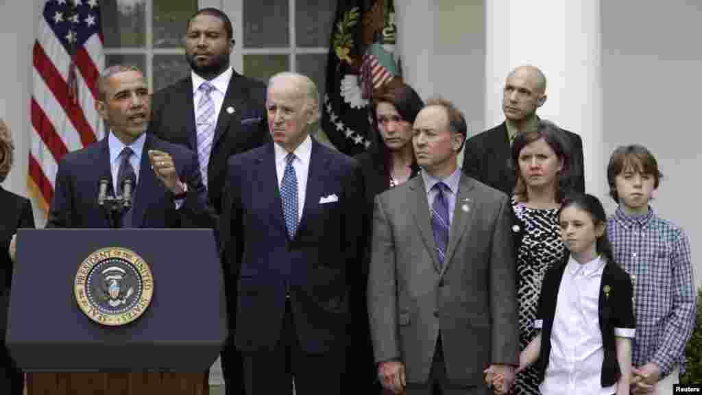 Le président américain Barack Obama s'exprime sur les mesures que Congres américain devrait prendre pour réduire la violence par armes à Washington 17 avril 2013.