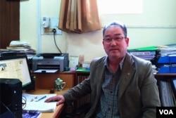 藏人行政中心外交新闻部中文处处长颉尔宗·德丹。(美国之音朱诺拍摄,2016年11月7日)
