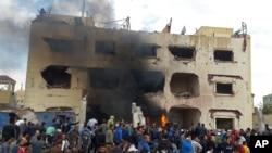 Lokasi ledakan bom di kantor polisi kota el-Arish, Sinai utara, Mesir, April 2015.