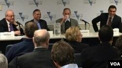 Expertos se reúnen en Diálogo Interamericano para dar a conocer las tendencias de las remesas en América latina y el Caribe para 2014.