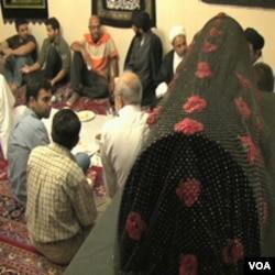 Aman Ali i Bassam Tariq na iftaru u džamiji u okolini Chicaga