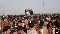 گیس کی بندش اور قیمتوں میں اضافے کے خلاف احتجاج جاری