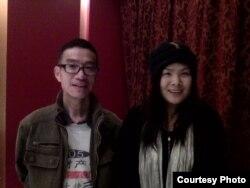 阮云华(左)等3月1日到达北京后与当地朋友合影(网友提供)