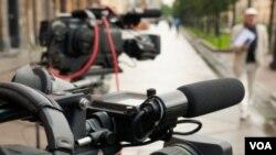 El reportero de CPJ Carlos Lauría ha descrito la situación latinoamericana bajo el título 'En América Latina, el retorno de la censura'.
