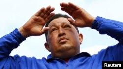 El Nuevo Herald dijo el gobierno de Hugo Chávez espía tanto a simpatizantes como opositores.