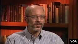 Džon Fefer, kodirektor Instituta za političke studije