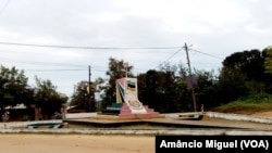 Praça na vila de Palma, Cabo Delgado, Moçambique
