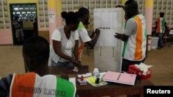 Armand Depeyla de Soir Info à Abidjan, joint par Nathalie Barge