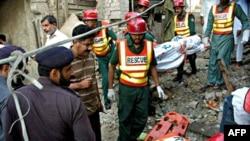 Пакистанська поліція на місці вибуху