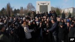 Turkish Kurds in Diyarbakir, Turkey protest killings of three Kurdish women in Paris, Jan. 10, 2013.