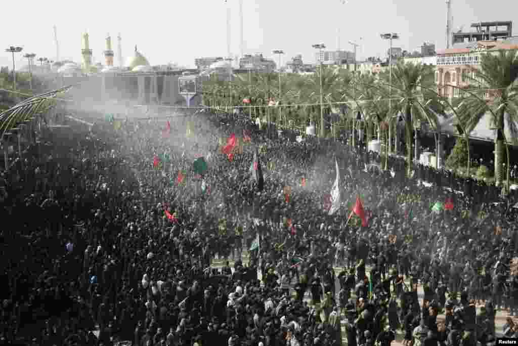 مسلمانوں کے لیے اس مقدس مہینے کا نقطہ عروج اس کی دسویں تاریخ یعنی یومِ عاشور ہے۔