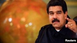 El gobierno acordó un nuevo contrato colectivo para los 14 mil trabajadores de la empresa básica más grande de Venezuela.