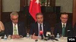 Mehdi Eker (ortada) 2016'da Washington ziyaret etmişti