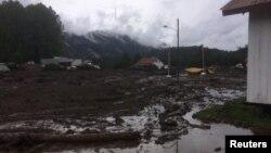 智利南部洛斯拉格斯一村庄在泥石流中损失惨重。(2017年12月16日)