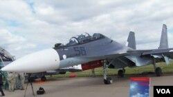 8月莫斯科航展上展出的蘇-30SM戰機(美國之音白樺拍攝).
