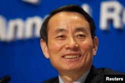 2008年3月中国石油天然气股份有限公司董事长蒋洁敏在香港记者会上。2014年6月30日中共中央政治局会议宣布将蒋洁敏开除党籍,移送司法机关。