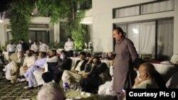 سہیل وڑائچ کی رائے میں جہانگیر ترین ابھی بھی یہ چاہتے ہیں کہ عمران خان اور اُن کے درمیان کوئی صلح صفائی یا کوئی درمیانی راستہ نکل آئے۔