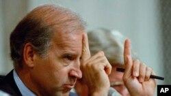 Joe Biden lokacin yana shugaban kwamitin majalisar dattijai Oct. 12, 1991