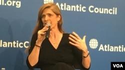"""La embajadora de EE.UU. ante la ONU, Samantha Power, dice que Rusia es una gran amenaza para """"nuestra gran nación""""."""