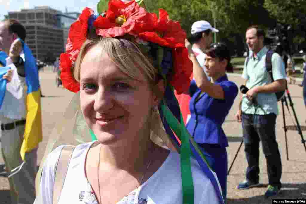 Украинки всегда улыбаются на камеру