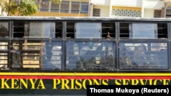 Bus Layanan Penjara Kenya di Nairobi, Kenya. (Foto: REUTERS/Thomas Mukoya)