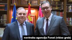 Bivši komandant Kopnene vojske SAD za Evropu general-potpukovnik Frederik Ben Hodžis sa predsednikom Srbije Aleksandrom Vučićem