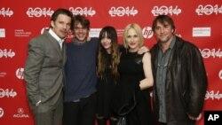 Aktor Ethan Hawke bersama para pemain film Boyhood di Festival Film Sundance (Dok: Danny Moloshok/Invision/AP)