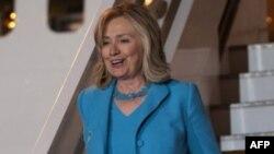 Ngoại trưởng Clinton đến Athens, Hy Lạp