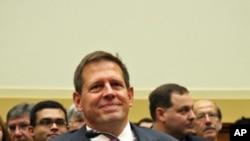 美国防部代理助理部长拉沃伊