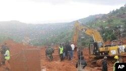 Equipas de resgate em Freetown