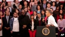 El presidente Obama está recibiendo la presión de la comunidad por el alto número de deportaciones y la falta de una reforma inmigratoria.