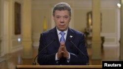 El presidente colombiano, Juan Manuel Santos, analiza la marcha del proceso de paz con las FRAC.